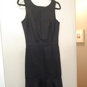 Banana Republic Dresses - Banana Republic Flounce Sheath Dress Black 4 NWT